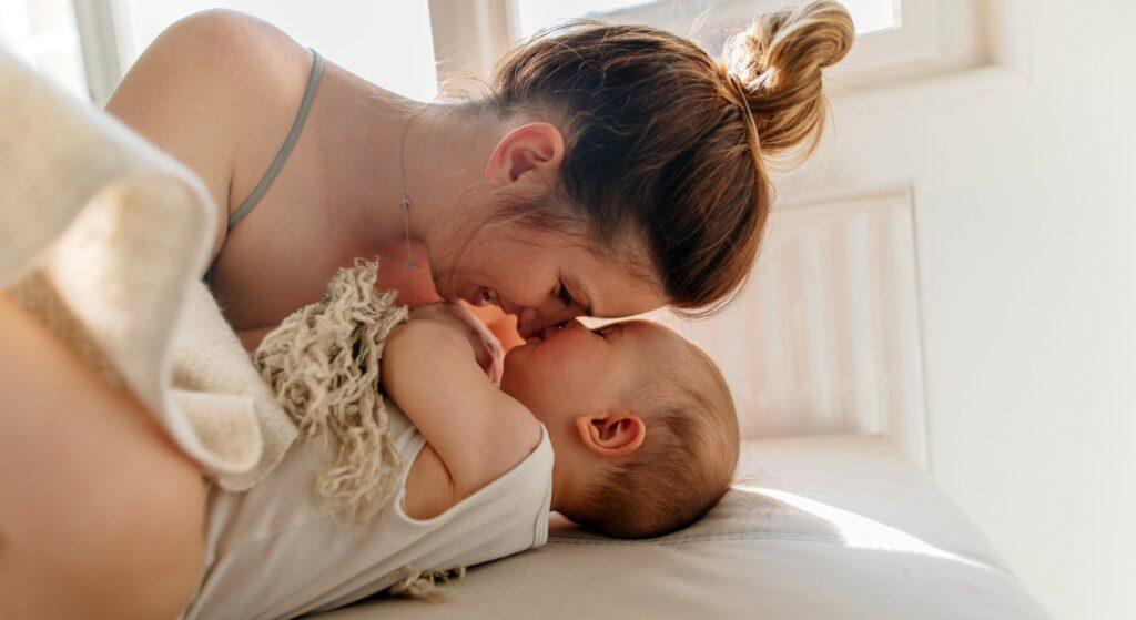 Conservazione cellule staminali del cordone ombelicale, mamma e figlio